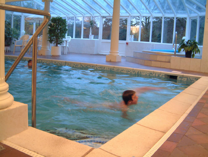 Swimming pool and leisure facilites available to all cottages free of charge